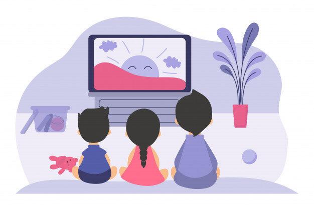 Três crianças sentadas na sala em frente à televisão. Na tela, há um sol sorrindo.